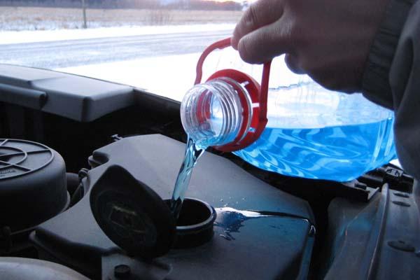 Роспотребнадзор снял спродажи 100 литров опасного стеклоомывателя